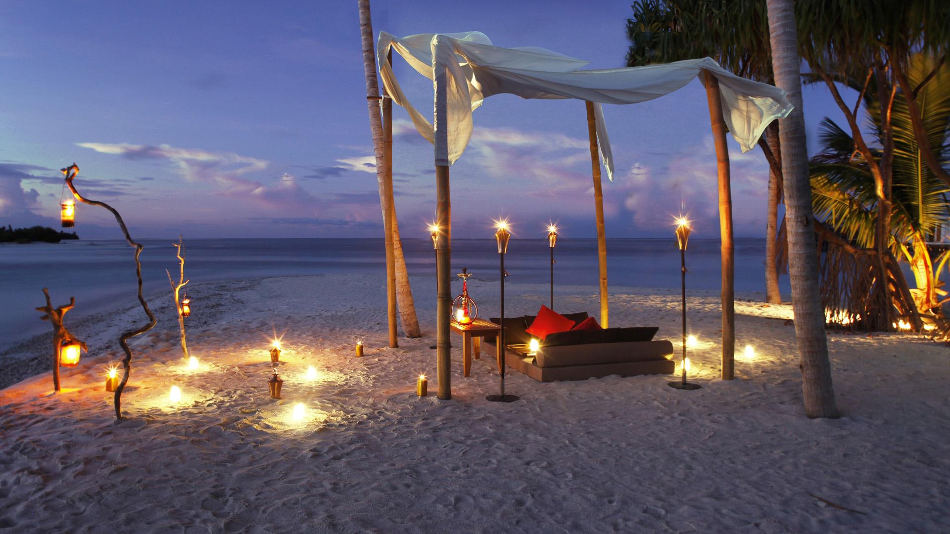 maldives review carrier. Black Bedroom Furniture Sets. Home Design Ideas