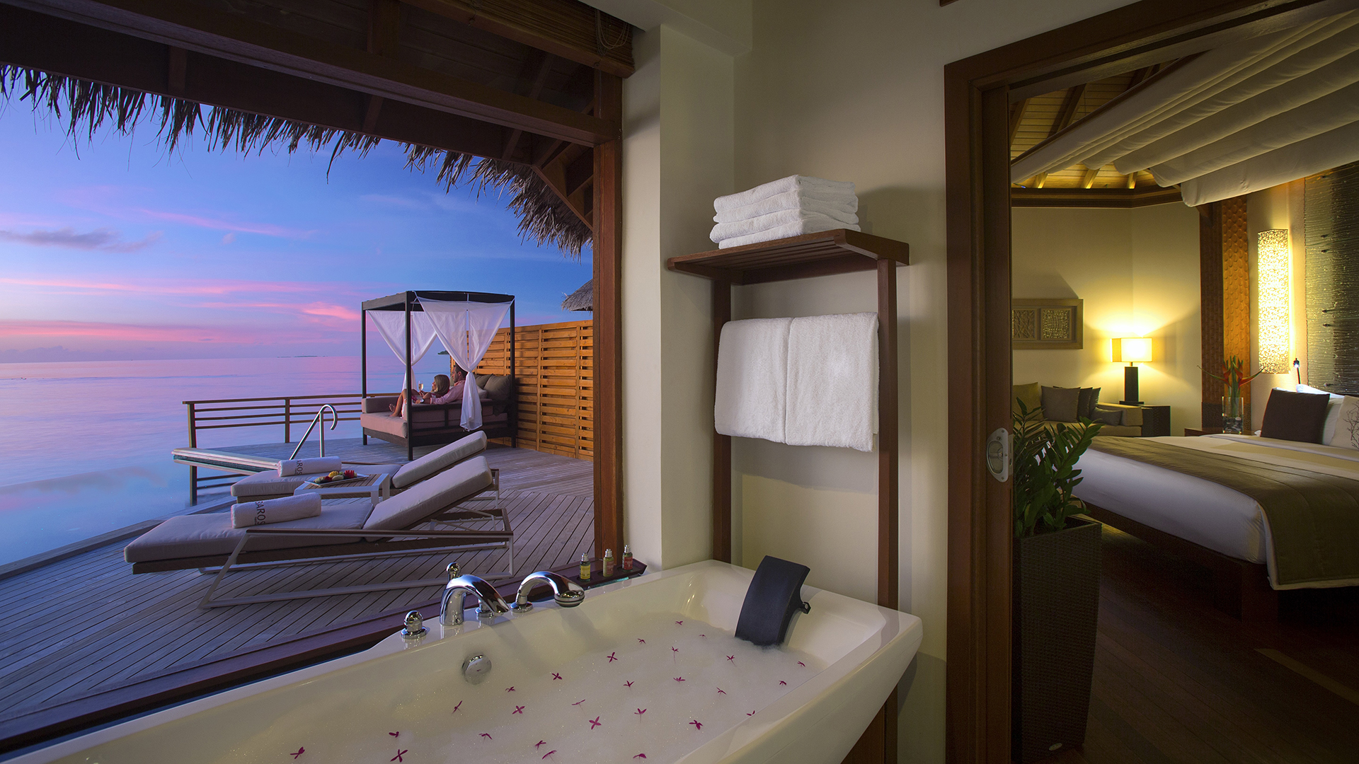 Luxury hotels for romantic milestones carrier for Luxury romantic hotels