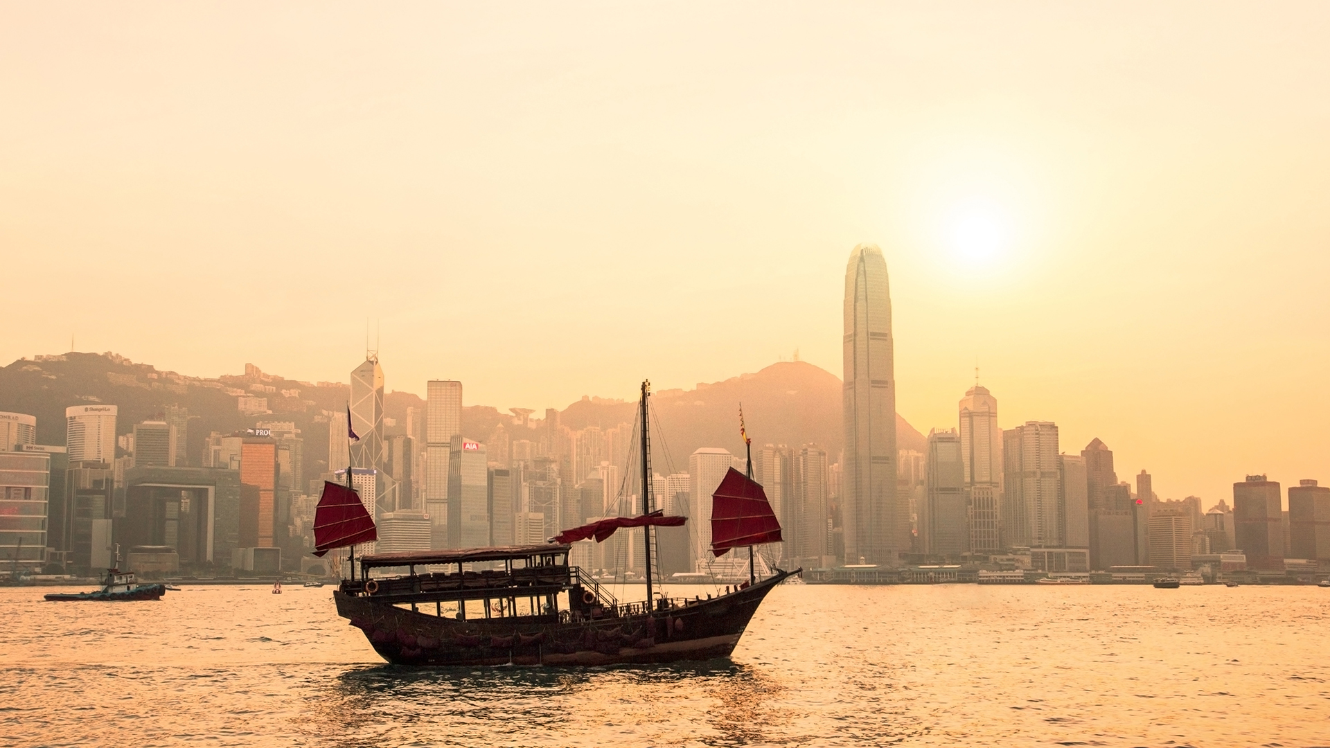Luxury hong kong holidays in worldwide from carrier for Luxury holidays worldwide